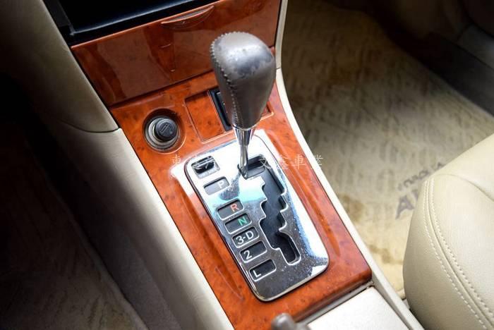 豐田 altis 2003年 字-28